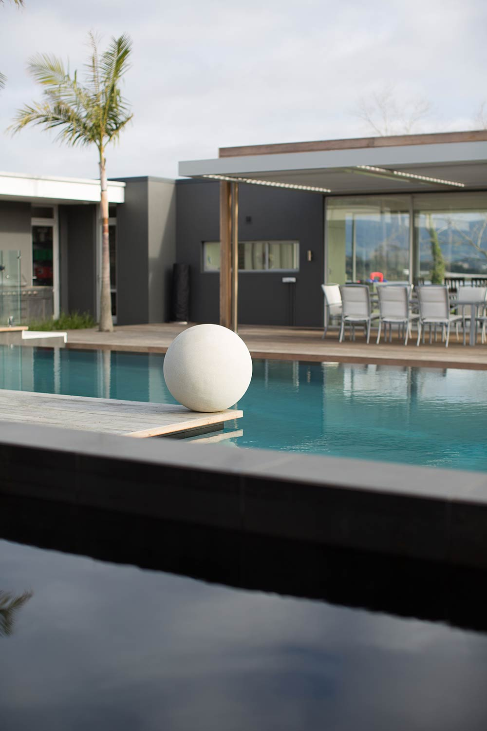 Swimming pool design projects and photos mark cashmore for Pool design company polen
